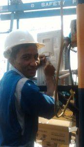 pemasangan ac baru oleh teknisi service ac batam